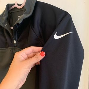 Nike Dri-fit pullover. Black and grey size M